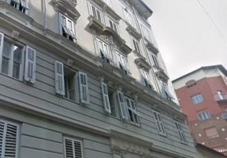 Ampio appartamento in zona pi...
